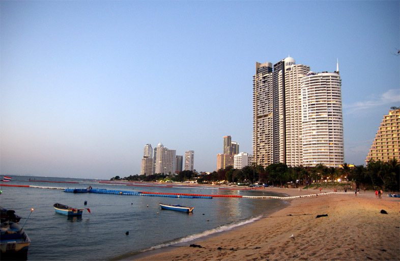 Пляж Ионгамат в Паттайе
