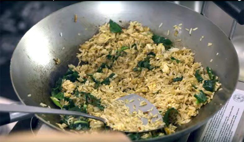 Тайский жареный рис с курицей