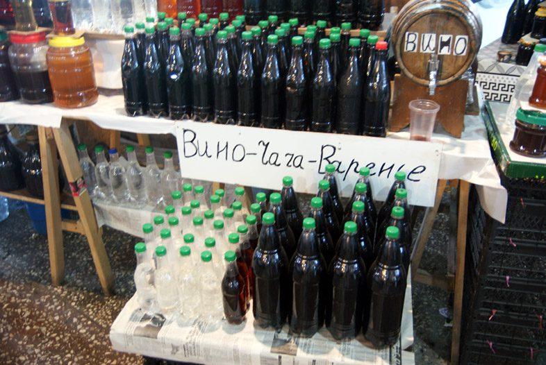 Вино на рынке в Батуми