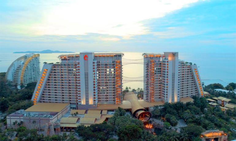 Отель Centara Grand Mirage Beach Resort Pattaya 5* на севере Паттайи